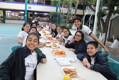 //yitsatil.edu.mx/wp-content/uploads/2019/02/secundaria-thanksgiving.jpg